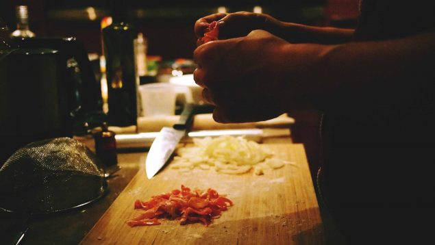 ¿Qué es un cocinero o cocinera profesional?
