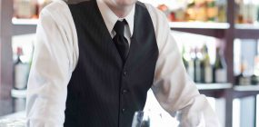 Barman: requisitos, sueldo, funciones y expectativas laborales