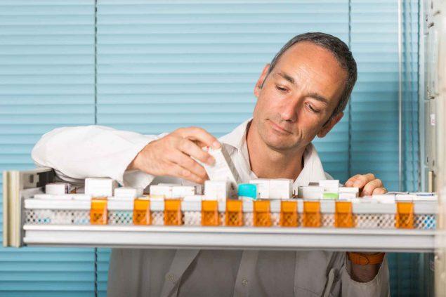 Que hace un tecnico en farmacia hospitalaria
