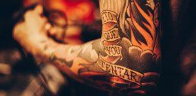 ¿Cuánto gana un tatuador? De buena tinta