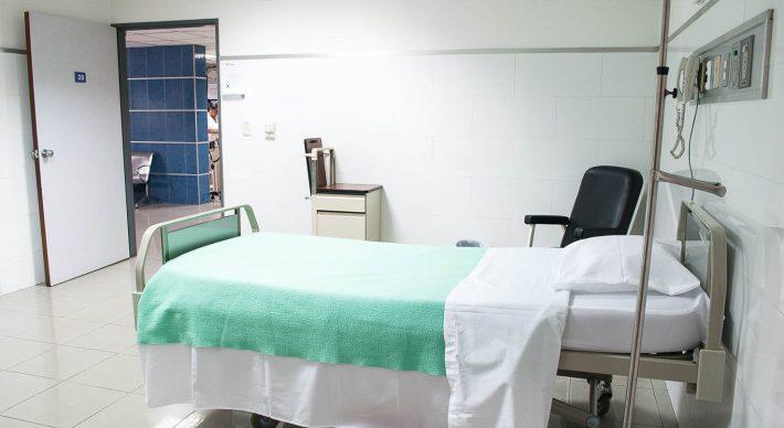 auxiliar enfermeria a dsitancia
