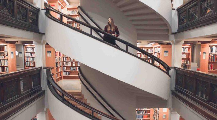 auxiliar de biblioteca sueldo