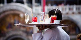 Sueldo camarero: lo que gana un camarero o camarera