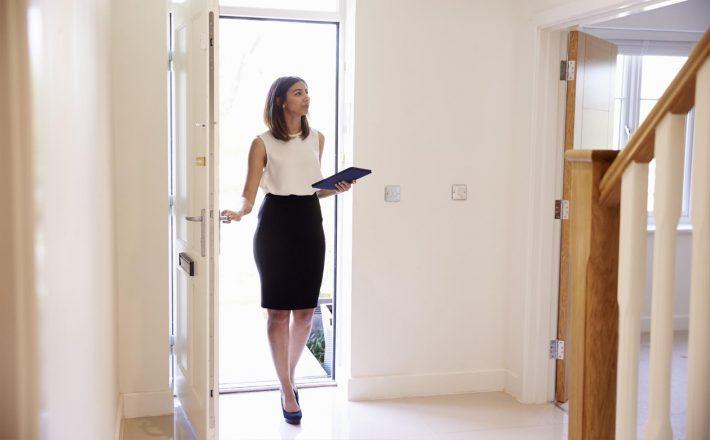 que hay que estudiar para ser agente inmobiliario