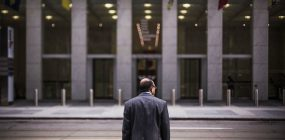 ¿Cuánto gana un asesor financiero? Descubre su salario