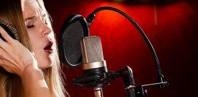 ¿Cómo ser actriz de doblaje? Trabaja con tu voz
