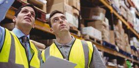Sueldo de un operador logístico: trabaja en gestión empresarial
