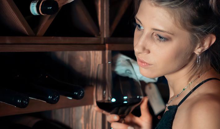 sumiller o sommelier de vinos