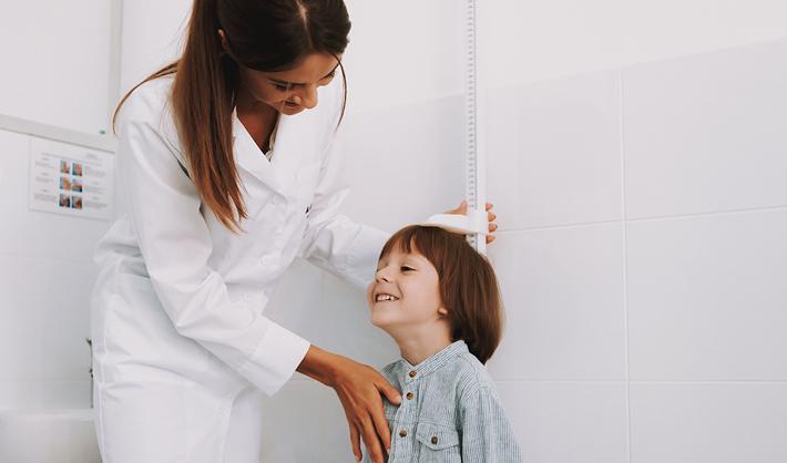 Auxiliar de pediatría: salidas laborales en sanidad infantil