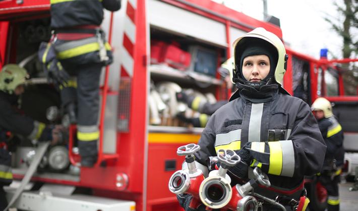 ser mujer bombero en españa