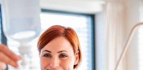 Empleo de auxiliar de enfermería: profesión al alza