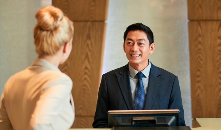perfil profesional recepcionista hotel