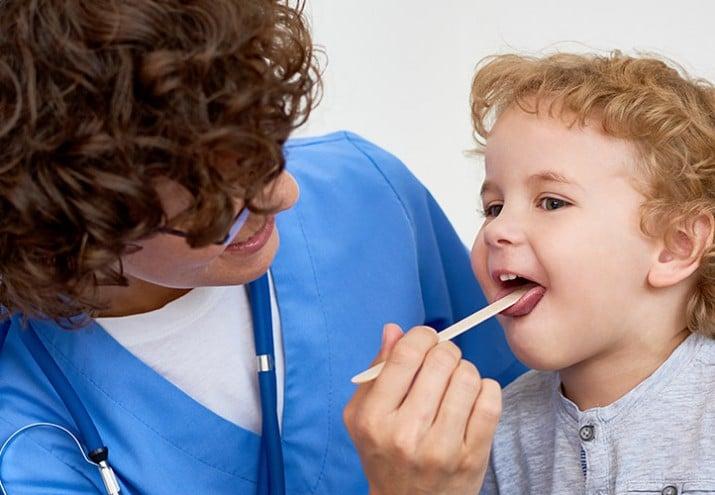auxiliar de pediatría sueldo salario en asistencia pediátrica