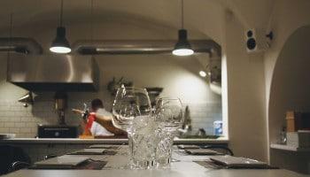Funciones de un cocinero: tareas en el área de cocina
