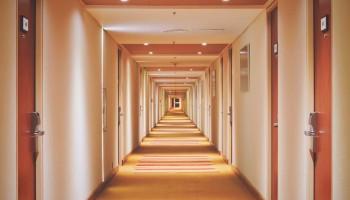 Curso de recepcionista de hotel con prácticas
