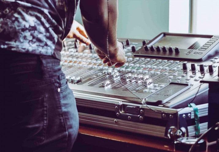 que hay que estudiar para ser productor musical, Qué hay que estudiar para ser productor musical