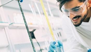 Salidas laborales: trabajo de Técnico de Laboratorio