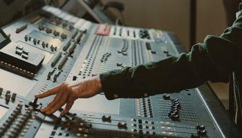 El perfil de un productor audiovisual: habilidades y competencias