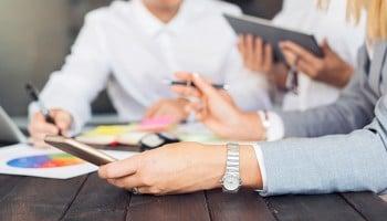 ¿Qué es una asesoría? Trabaja como administrativo