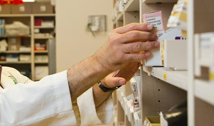 qué es auxiliar de farmacia