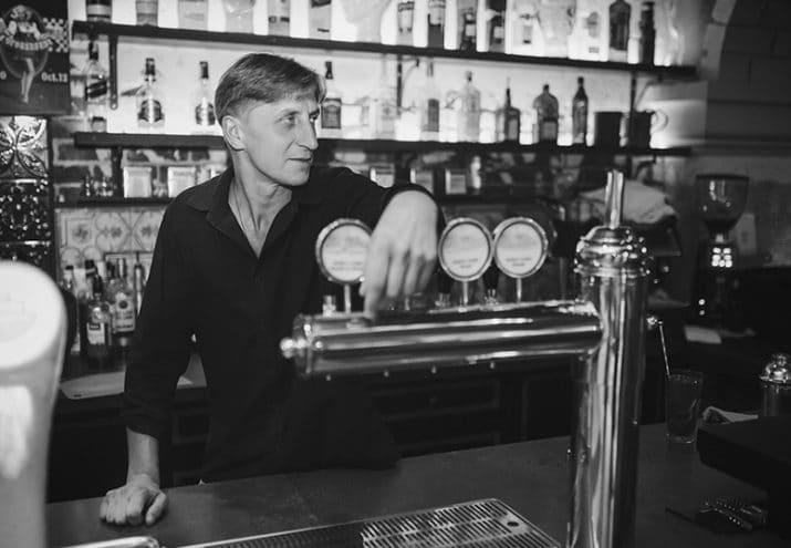 hitstoria bar