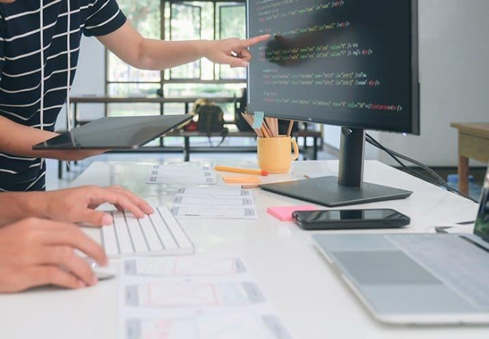 desarrollador web sueldo