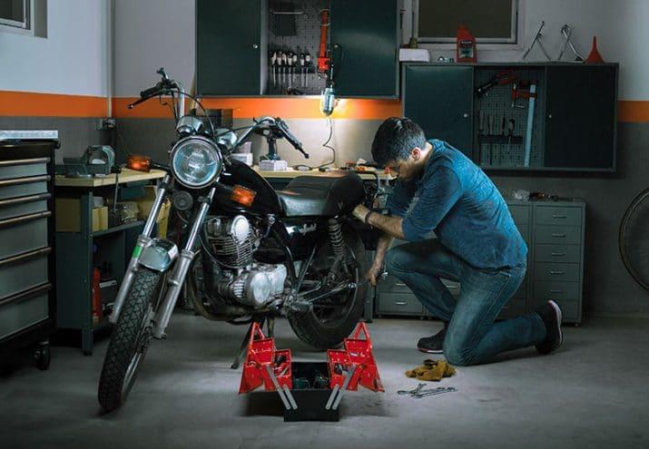 cuanto gana un mecánico de motos en España