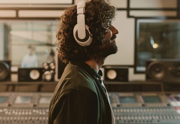 productor musical sueldo